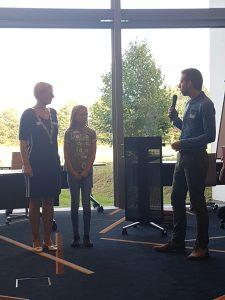 Samen met Burgemeester Marianne Besselink op de foto.